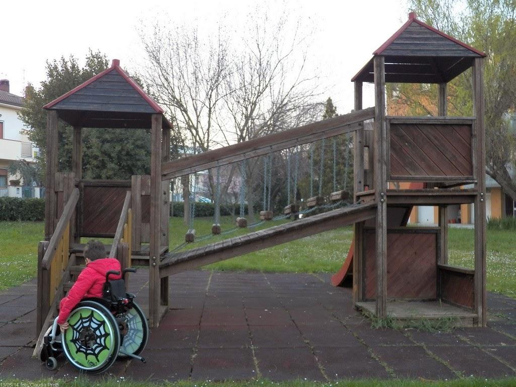 parco giochi bambini disabili